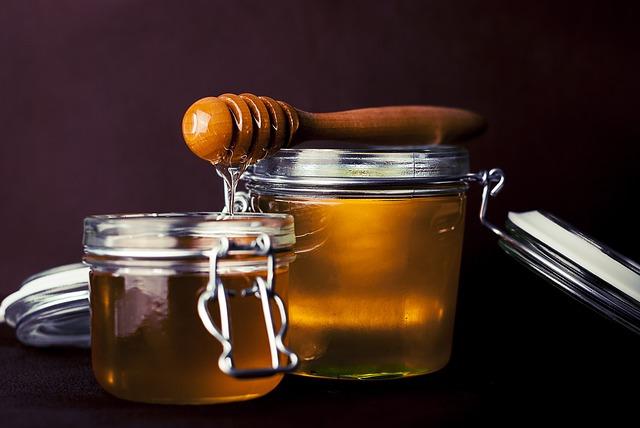 Miód to nie tylko nektar. Zobacz jak powstaje miód